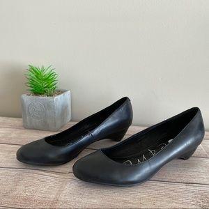 4/$20🍄 KATE & MEL Black Slip on Low Heel Pumps